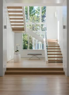 haus design A collection of modern interior designs featuring 20 Elegant Modern Staircase Designs You'll Become Fond Of. Staircase Design Modern, Luxury Staircase, Home Stairs Design, Interior Stairs, Modern Design, Staircase Ideas, Stair Design, Contemporary Stairs, Staircase Makeover