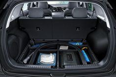 Bietet mehr als auf den ersten Blick sichtbar: Der Kia Niro Plug-In Hybrid - ein Crossover der mehr bietet. Kia Motors, Crossover, Car Seats, Vehicles, Technology, Audio Crossover, Car Seat, Vehicle, Tools