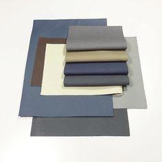 El mejor material para tus colecciones: Forro microfibra en tonos azul y gris. Ven a crear a Funky Studio. #Leather #FunkyStudio #Color #Shoedesing #Shoes