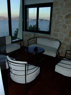 Hotel Dionysos is Ideal for those who prefer to stay at a quiet location in the beautiful area of Skliri on Agistri. Sea view & direct access to the sea. Double Room, Sea, Double Bedroom, Ocean