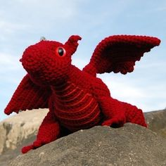 Gotta make me a red dragon for the van! Just bought the pattern :-)
