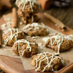 Mit diesen Zimt Hafer Cookies könnt ihr in die Adventszeit starten, denn die Cookies duften bereits beim Backen wunderbar nach Zimt - gelingen sicher!