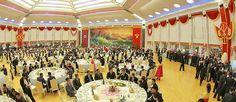 Pak Kim Jong-un zijn bankrekeningen af Banket, Groot, North Korea, September, Fair Grounds