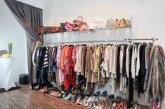 Die coolsten Second Hand Shops in Wien - Teil 2 - - Coole Second Hand Shops in Wien – Teil 2 Second Hand Shop, Second Hand Clothes, Second Hand Fashion, Clothing Store Interior, Scarf Storage, Household Expenses, Second Hand Furniture, Household Organization, Two Hands