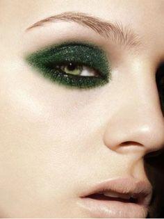 green eye makeup #PFBeauty