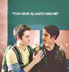 Scott McCall and Stiles Stilinski-Teen Wolf Teen Wolf Scott, Scott E Stiles, Teen Wolf Mtv, Teen Wolf Dylan, Teen Tv, Dylan O'brien, Tyler Posey, Teen Wolf Season 3, Bae