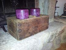 candele dentro vecchia scatola in legno