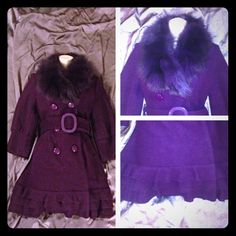"""HOST PICK Wool Coat w/ detachable fur collar This beautiful coat is like new!   Has real fox fur detachable collar.   Can be worn with or without.   Cute ruffles at the hem.    Sleeves make layering easy and fun.   Cuffed to use fur hand warmers if u have.   Wool blend keeps u warm.   Be fashionable and warm. Chosen host pick March 28, 2015 """"Total Trendsetter Party"""" Jackets & Coats"""