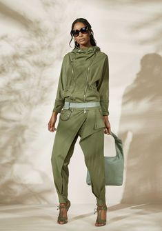 Express Shipping Women S Fashion Code: 2498097218 Khakis Outfit, Elisa Cavaletti, Sport Fashion, Womens Fashion, Sports Trousers, Casual Outfits, Fashion Outfits, Fashion Trends, Sport Chic