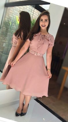 """Very Lovely Skirts, Skirtsuits, and Dresseslovelyskirts: """"Very pretty in pink!Roupas e look super moda Trend Fashion, Cute Fashion, Modest Fashion, Fashion Outfits, Womens Fashion, Pink Fashion, Hijab Fashion, Fashion News, Simple Dresses"""