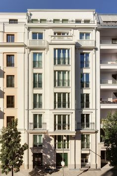 --- New Buildings Built in Traditional Architecture Style --- - Page 443 - SkyscraperCity New Classical Architecture, Classic Architecture, Facade Architecture, Hotel Design Architecture, Architecture Wallpaper, Architecture Classique, Classic House Exterior, Classic Building, Bauhaus