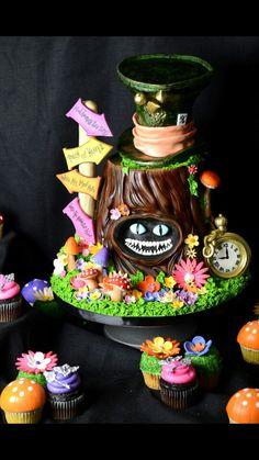 Amazing Alice in Wonderland themed cake.