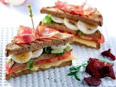 Κλαμπ σάντουιτς με  αυγά Cookbook Recipes, Cooking Recipes, Sandwiches, French Fries, Slimming World, Street Food, Nom Nom, Recipies, Brunch