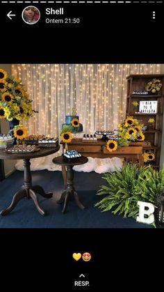 aniversário de 15 anos Sunflower Birthday Parties, Sunflower Party, Sunflower Baby Showers, 21st Party, Bee Party, Birthday Decorations, Baby Shower Decorations, Mexican Fiesta Party, 31st Birthday