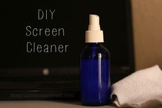 DIY Computer and TV Screen Cleaner 1 part plain white vinegar 1 part distilled water (make sure you use distilled only!) A clean, lint-free cloth. (I like using old, worn-out t-shirts from my rag collection) Homemade Cleaning Products, Cleaning Recipes, Natural Cleaning Products, Cleaning Hacks, Car Cleaning, Cleaning Supplies, Keep It Cleaner, Diy Cleaners, Sprinkler