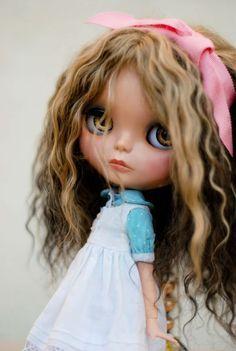 Cute wavy hair with bow
