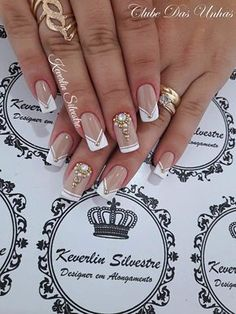 "Wedding Nails "" 15 Passionate Ideas for Inspiration! - Trendy Queen : Leading Magazine for Today's women, Explore daily Fashion, Beauty & Lifestyle Tips Glam Nails, Bling Nails, Glitter Nails, Beauty Nails, Gel Uv Nails, Toe Nails, Acrylic Nails, Fabulous Nails, Gorgeous Nails"