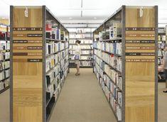 鴻巣市立図書館 Sign 2010 埼玉県鴻巣市の鴻巣中央図書館の サインデザインを担当。
