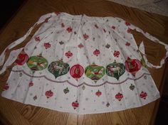 Vintage Christmas apron by jacquesimmons on Etsy, $5.00