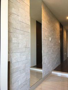 House Rooms, Building A House, Tile Floor, Entrance, Garage Doors, House Design, House Styles, Outdoor Decor, Home Decor