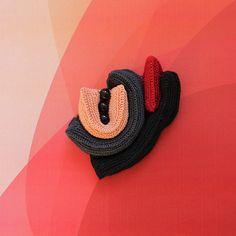 Crochet brooch - Spritzgebaeck