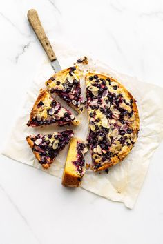 This simple black currant cake is an easy recipe that is highly adaptable with whatever berries are in season Most Delicious Recipe, Delicious Cake Recipes, Yummy Cakes, Yummy Treats, Sweet Treats, Black Currant Cake, Dessert Ideas, Dessert Recipes, Desert Recipes