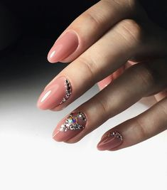 Hottest Trends for Acrylic Nail Shapes Moon Manicure, Gel Polish Manicure, Different Nail Shapes, Acrylic Nail Shapes, Nails Design With Rhinestones, Almond Acrylic Nails, Red Lip Makeup, Models Makeup, Beauty Hacks Video