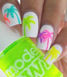 82 Glitter Nail Art Designs by Gabby Morris - Cool Fashion Accessories #nailart