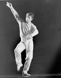 Mikhail Baryshnikov in Mark Morris's 'Drink to Me Only with Thine Eyes'. June Photo by Dan Brinzac Julie Kent, Mikhail Baryshnikov, American Ballet Theatre, Dance Photos, Ballet Dancers, Memories, Actors, Eyes, Music Music