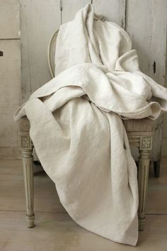 Antique homespun SOFT hemp ~ natural fabric / cloth ~ linen sheet from France ~ 19th century French textile ~ www.textiletrunk.com