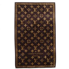 LOUIS VUITTON Monogram Classic Beach Towel Brown ❤ liked on Polyvore featuring home, bed & bath, bath, beach towels, louis vuitton, pattern beach towel, jacquard beach towel, monogrammed beach towels and browning beach towel