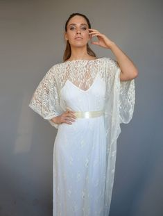 SAMPLE SALE ONLY 120 / Ready to ship // Lace wedding dress, kimono sleeves wedding dress, wedding lace dress ,romantic wedding dress, boho chic #weddingsale #weddingdresssale