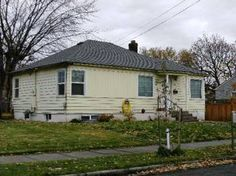 1424 Portland Ave, Walla Walla, WA 99362 - Huge mostly fenced yard and bonus/family room for this great home. Off street parking space. Only $885/mo.