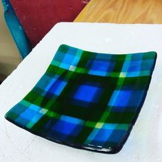 I am still having a blast at my fused glass classes . so much so, that I just signed-up for another session at The Ceramics Center (you can see previous creations here). My plaid glass bowl turned out awesome. Glass Fusing Projects, Fused Glass Plates, Mosaics, Project Ideas, Stained Glass, Paper Crafts, Ceramics, Fun, Tissue Paper Crafts