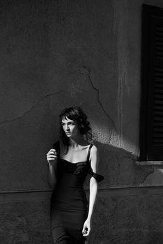 Maria Carla Boscono by Peter Lindbergh. Vogue Italia