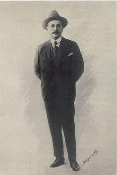 @solitalo José Gregorio Hernández nace en el 26 de Octubre del año 1864 en la población de Isnotú, Estado Trujillo, Venezuela, al pie de la Cordillera de los Andes Eje Energético de Suramérica. Pro…