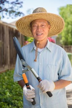Gardening has numerous physical & mental health benefits for seniors and the elderly. Here are simply gardening safety Tips & Modifications for Seniors
