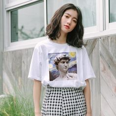 This T-shirt is made from a blend of 100% cotton and recycled polyester
