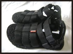 NEW VDG Men Specialized Biking Cycling Sandals MTB Elite Road Bike - Black.     This really my style for outdoor activity ;)