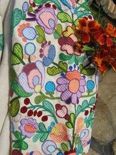 Вишиванки колодочками Needlework, Sewing Patterns, Cross Stitch, Costumes, Embroidery, Retro, Tejidos, Needlepoint, Dressmaking