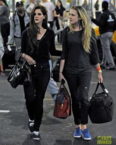 Lana Del Rey with her sister in Keds