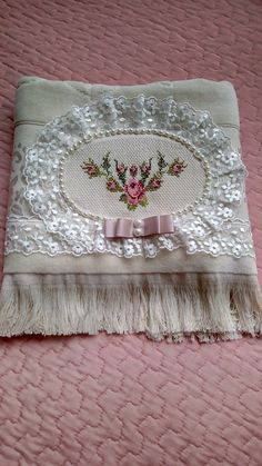 Bathroom Towel Decor, Shabby, Interior And Exterior, Hand Embroidery, Old Things, Cross Stitch, Presents, Pink, Holiday Decor