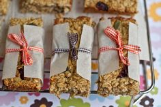 Healthy Banana Cranberry Oat Bars Recipe and a great way to package
