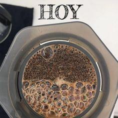 HOY ven a probar el más rico café @cafeazul_venezuela desde las 10 AM en Verde Caribe Market  Café Azul es un Café Especial de Alta Calidad Venezolano 100% natural producido de manera artesanal en @miverdecaribe CC La Redoma- El método: aeropress muy novedoso y un resultado sorprendente una taza muy aromática y sabor extraordinario.  Sorprende. No te lo puedes perder! #Regrann