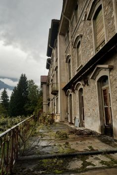 Photos and history of the abandoned Sanatorio Lohner (pseudonym), an undisclosed place in Switzerland.. ..♥.Nims.♥