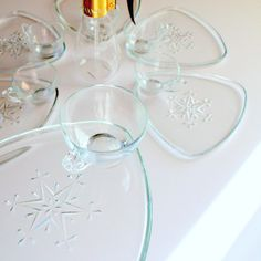 Vintage Atomic Snowflake Glass Snack Sets from Aces - Someone Make the Eggnog!