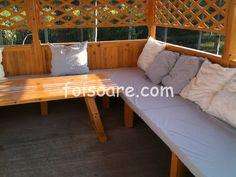 Foisor de gradina, asiatic cu canapele din lemn