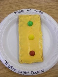 Preschool Cooking/Science: Traffic Light Cookies for Community Helpers/Safety Themes Preschool Projects, Preschool Snacks, Preschool Lessons, Preschool Science, Kid Projects, Science Education, Preschool Ideas, Physical Education, Transportation Crafts
