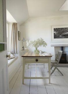cute Cornwall cottage - TheHerringbone - desire to inspire - desiretoinspire.net