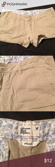 American Eagle Khaki shorts Tan khaki shorts. Size 8 American Eagle Outfitters Shorts